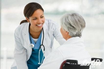 پزشک برای گرفتگی گوش